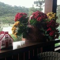 Foto tirada no(a) Villa Amarela Botecu's por Renan V. em 11/2/2012
