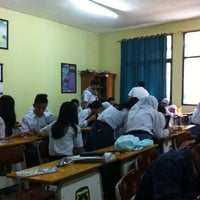 Photo taken at SMA Negeri 5 Bandung by Didi Go D. on 5/22/2014