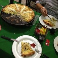 Photo taken at Sam's Food - Massas, Pizzas & Sanduiches by Luiz P. on 4/22/2013