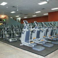 Photo taken at Gold's Gym by Gold's Gym on 8/21/2014