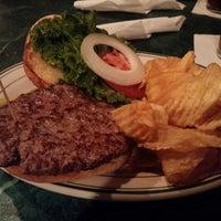 Foto scattata a O'Malley's Bar & Grill da i_kimochi il 11/5/2014