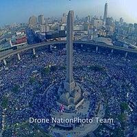 Photo taken at Victory Monument. ท่ารถอ่างทอง by WuWu on 12/22/2013