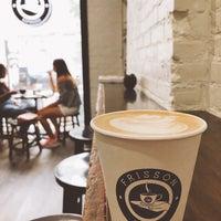 Foto tirada no(a) Frisson Espresso por Anna K. em 8/15/2018