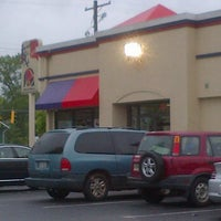 Photo taken at Taco Bell/KFC by Lee M. on 4/29/2013