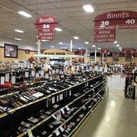 รูปภาพถ่ายที่ Binny's Beverage Depot โดย MANGO เมื่อ 6/5/2013