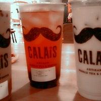 Photo taken at CALAIS Artisan Bubble Tea & Coffee by Novi W. on 10/11/2013