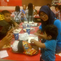 Photo taken at KFC by Dewo O. on 6/26/2014