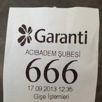Photo prise au Garanti Bankası par Bora le9/17/2013