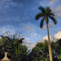 Photo taken at Palm Beach Island by Federica D. on 12/30/2013