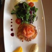 Foto scattata a Schmidt's Restaurant da Sara S. il 4/9/2014