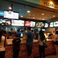 Photo taken at McDonald's by HKTEOH on 4/2/2017