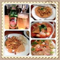 Photo prise au Archi's Thai Bistro par Coolearth S. le11/11/2012