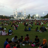 Photo taken at Bazar Ramadhan Taman Kerang (Pokok Buluh) by Ahmad S. on 7/18/2013