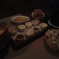 Foto diambil di Restaurante Mont Vert oleh Laura L. pada 8/19/2014