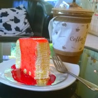 Photo taken at Coffee Me by Sujitporn Coffee & Bakery House by aummak on 5/3/2014