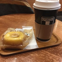 Photo taken at SQUARE Cafe (スクエアカフェ) 蔵前店 by Sinnoske S. on 11/13/2015