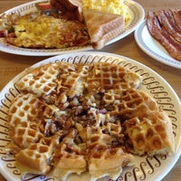 Photo taken at Waffle House by Just E on 11/8/2014