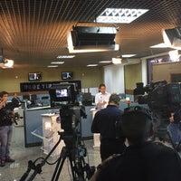 Photo taken at Rede de Rádio e Televisão Tiradentes by Rodrigo M. on 10/7/2016