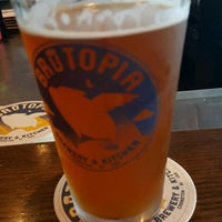 Photo taken at Brutopia Brewery & Kitchen by Todd F. on 8/19/2017
