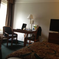 Photo taken at La Quinta Inn & Suites Dallas - Addison Galleria by Fanta_ R. on 10/16/2012