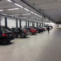 Photo taken at OTOMOL BMW Borusan Otomotiv Yetkili Servisi by Murat Ç. on 5/21/2015