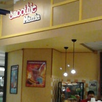 Photo taken at Smoothie Mania by Edgar A. L. on 1/28/2013