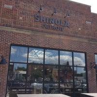 Das Foto wurde bei Shinola Store Detroit von Satish am 7/13/2013 aufgenommen