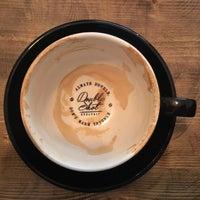 Foto tomada en Double Shot Coffee Shop por Nóra S. el 3/12/2017
