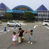 Photo taken at アドベンチャーワールド 大駐車場 by Takuya K. on 6/26/2014