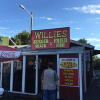 Photo taken at Willie's Burger Shack by Holly F. on 10/6/2015