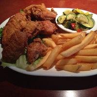 10/1/2013 tarihinde Courtney A.ziyaretçi tarafından Overlook Restaurant'de çekilen fotoğraf