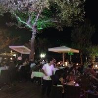 7/15/2014 tarihinde Veli O.ziyaretçi tarafından Liman Restaurant Lounge Club'de çekilen fotoğraf