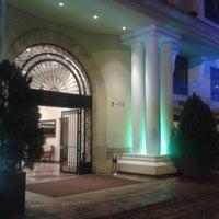 Foto tomada en Hotel Estelar Suites Jones por John J. el 10/10/2014
