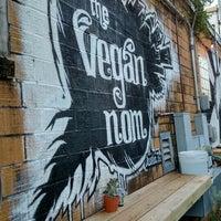Das Foto wurde bei Vegan Nom Truck von Germaine W. am 7/9/2016 aufgenommen