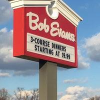 Photo taken at Bob Evans Restaurant by Michael C. on 11/24/2015