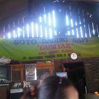 Photo taken at Soto Sapi Gumyak Kang Kasidi by akbarkdbra Z. on 9/16/2012