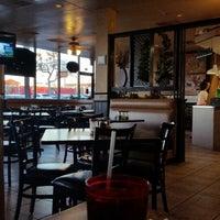 Foto scattata a Lover's Pizza & Pasta da Crawford A. il 1/18/2015