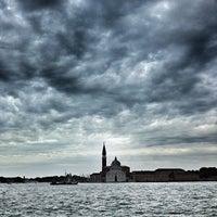 Foto scattata a Punta Della Dogana da Herbert Y. il 5/9/2013