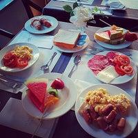 Foto tomada en Hotel Acta Splendid por Dazzle el 7/30/2014