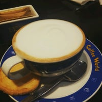 Photo taken at Coffee World by 🐴Jeng🐴 C. on 8/14/2016