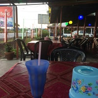 Photo taken at Repoh Seafood by Mzkamall T. on 11/6/2014