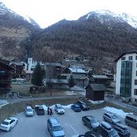 Das Foto wurde bei Alpenhotel von Kanoknut S. am 12/23/2016 aufgenommen