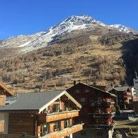 Das Foto wurde bei Alpenhotel von Kanoknut S. am 12/22/2016 aufgenommen