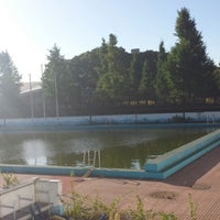 Photo taken at 駒沢オリンピック公園総合運動場 屋外プール by Blu_1973_it on 9/16/2013