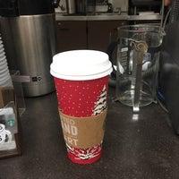 Das Foto wurde bei Starbucks von Randy W. am 11/15/2016 aufgenommen