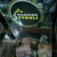 Photo taken at Waroeng Steak & Shake by Immawan N.S. A. on 8/14/2016