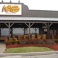 Photo taken at Cracker Barrel Old Country Store by Natasha P. on 11/26/2015