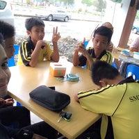 Photo taken at Yusuf Islamic Cafe by Hamuza M. on 9/14/2014