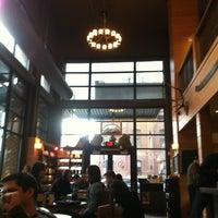 Photo prise au Sisters Coffee Company par Jeri B. le2/17/2013