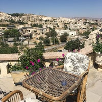 Foto diambil di Sos Cave Hotel oleh Hamide S. pada 9/13/2016
